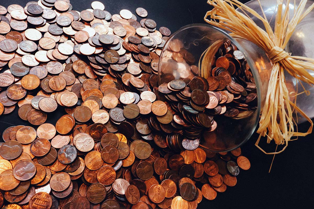 31 Less Common Ways People Save Money Every Day